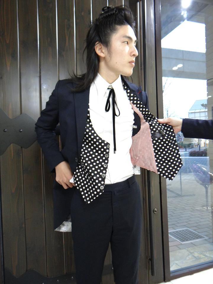MENS FASHION BRAND メンズファッションコーディネート KQ - KING AND QUEEN Internatinoal Men's fashion キングアンドクイーンメンズファッション Shop Info; Momochihama 3-4-10, Sawaraku, Fukuoka, Japan ショップ情報:福岡市早良区百道浜3-4-10 +81-942-834-3112 WEB SITE http://www.worldpeace.jp MODEL : DAICHI #mens #style #coat #jacket #longjacket #pants #vest #shirt #navyjacket #navypants #polcadot #vest #longcollarshrt #メンズ #メンズファッション #コーディネート #ジャケット #コート #ベスト #パンツ #シャツ #ロングジャケット #紺ジャケット #ネイビージャケット #水玉ベスト #ベスト #紺パンツ #ネイビーパンツ #オシャレ #かっこいい #モーニングジャケット