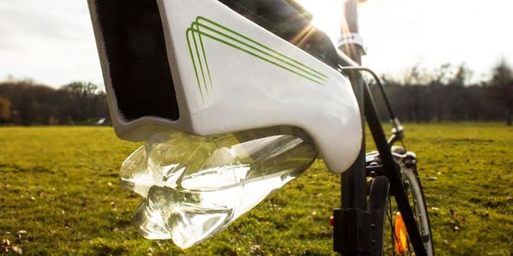 Solar-powered Fontus pulls water from the air while you ride your bike