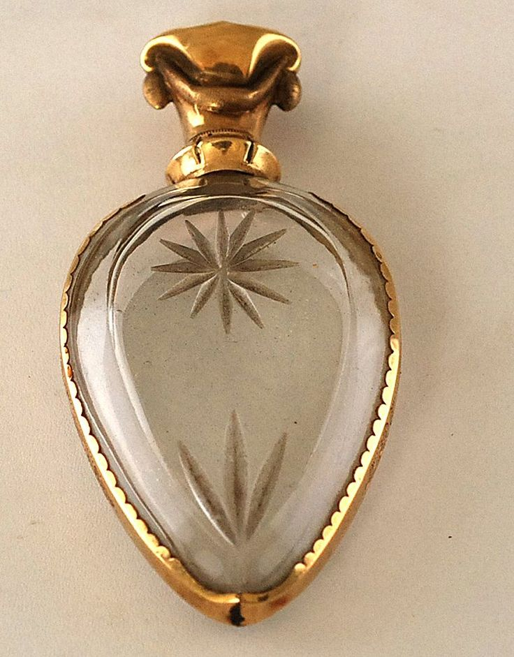Gold and Rock Crystal Perfume Scent Bottle – C 1780  (isn't it amazing that centuries later of all the things you had a perfume bottle survives,,,)