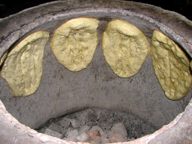 BAKING IN A TANDOORI OVEN | What is Tandyr or how traditional bread is baked in Baku