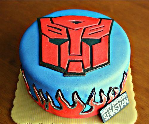 Transformer Autobot cake..