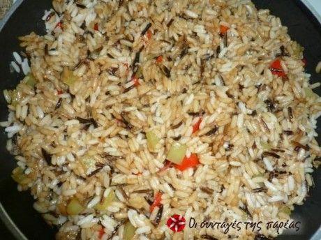 Τηγανιτό ρύζι με χρωματιστές πιπεριές