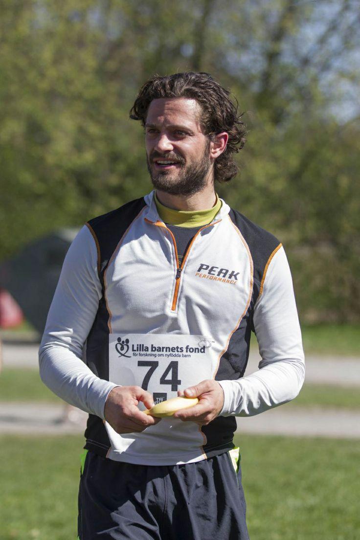 Swedish Prince Carl Philip runs the Lilla Barnets race in Haga Park on 26.04.2014