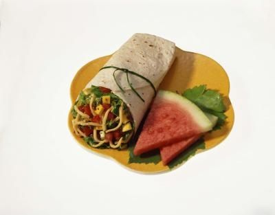 How to Prepare Sandwich Wraps for a Restaurant