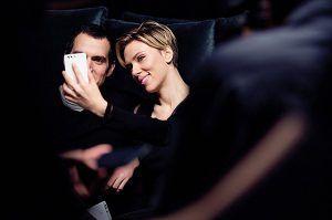 Скарлетт Йоханссон и Генри Кавилл в рекламе смартфона http://womenbox.net/stars/skarlett-joxansson-i-genri-kavill-v-reklame-smartfona/    Звезды в рекламе   Скарлетт Йоханссон и Генри Кавилл в рекламе смартфона         Лиза Сезонова        4239    2 июня 2016, 13:06  Генри Кавилл