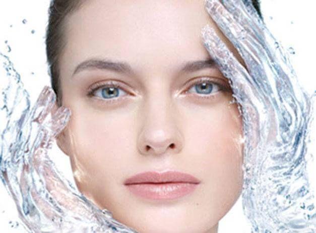 Κρύο; Προστατεύεστε το Δέρμα σας Αποτελεσματικά Το χειμώνα η επιδερμίδα σας ταλαιπωρείται περισσότερο από το κρύο και τον αέρα...