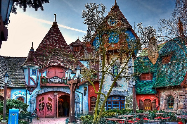 Au Chalet de la Marionnette, Disneyland Paris' version of the Pinocchio Villiage Haus by PeterPanFan on Flickr: Dreams Houses, Favorite Places, Fairytale House, Fairyt Houses, Fairy Tales,  Church Building, Colors Houses, Disneyland Paris, Fairies Tales