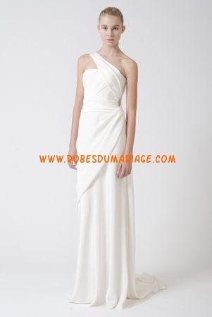 Vera Wang belle robe de mariée simple asymétrique glamour longue mousseline