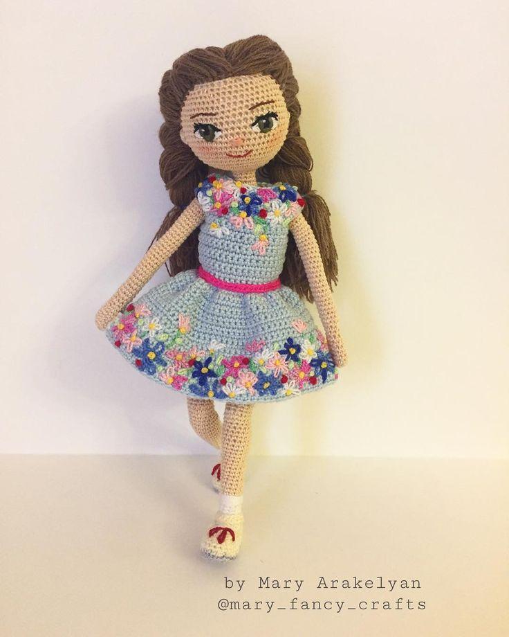 """227 Likes, 13 Comments - Portrait dolls (@mary_fancy_crafts) on Instagram: """"Добрый день  Меня зовут Юля, живу у маленькой и миленькой девочки Юли)) Мы очень похожи друг на…"""""""