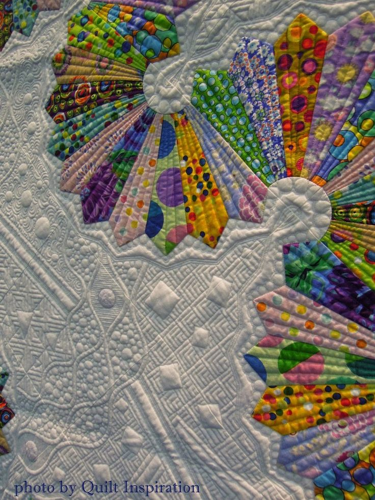 "close up, ""Let's Do The Dresden Twist"" by Teri L. Cherne, U.S.A. 2015 World Quilt Show in Florida.  Photo by Quilt Inspiration"