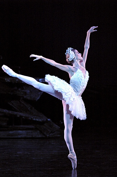 Heather Ogden in Swan LakeSwan Lake