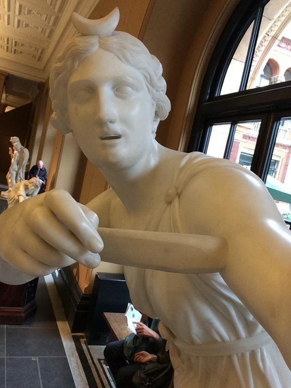 #statueselfie #museumselfie