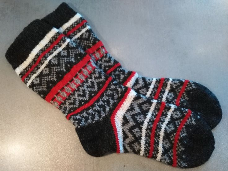 Heart pattern, striped pattern, knitted socks, wool socks, traditional design by AnuCraft on Etsy