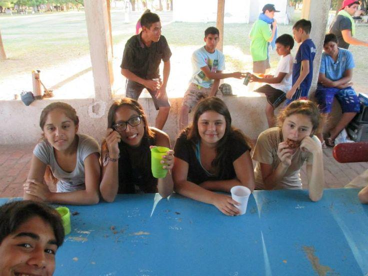 Campamento de supervivencia para chicas adolescentes