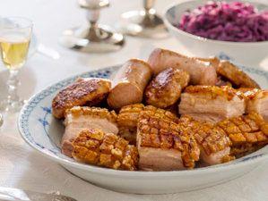 Julemiddag slik jeg liker den. Ribbe! Typical Norwegian Christmas dinner - pork ribs.