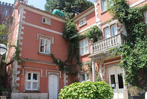No centro de Sintra, junto ao Palácio da Vila, um refúgio para uma escapada romântica de fim de semana. Na Quinta das Murtas noite a 2 com pequeno almoço + Jacuzzi por apenas 54€. - Descontos Lifecooler
