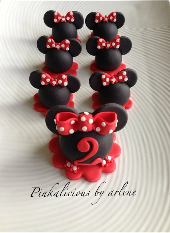 Hey, I found this really awesome Etsy listing at http://www.etsy.com/listing/151319929/edible-minnie-mouse-cake-and-cupcake