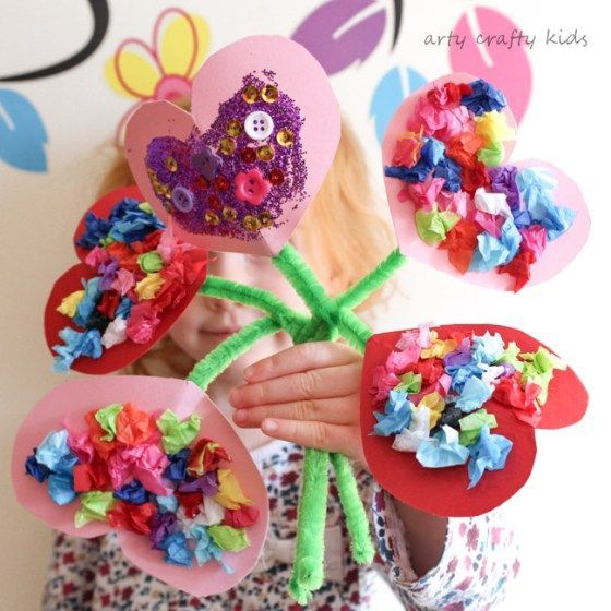 Arty Crafty Kids | Valentines | Craft Ideas for Kids | Toddler Valentines Heart Bouquet | The perfect Valentines craft for toddlers and preschoolers! #valentinecrafts