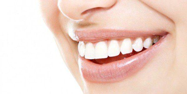 БЕЛОСНЕЖНЫЕ ЗУБКИ http://pyhtaru.blogspot.com/2017/07/blog-post_58.html Белоснежные зубы! Простые рецепты сделать свои зубки белее: 1 Нанесите поваренную соль на зубы, потрите, и прополощите рот водой или же с ополаскивателем для полости рта. Читайте еще: ================================ МОРКОВЬ ДЛЯ ЗДОРОВЬЯ http://pyhtaru.blogspot.ru/2017/07/blog-post_71.html ================================ 2 Подготовьте смесь из 1/2 чайной ложки пищевой соды, 1/2 чайной ложки уксуса и щепотки поваренной
