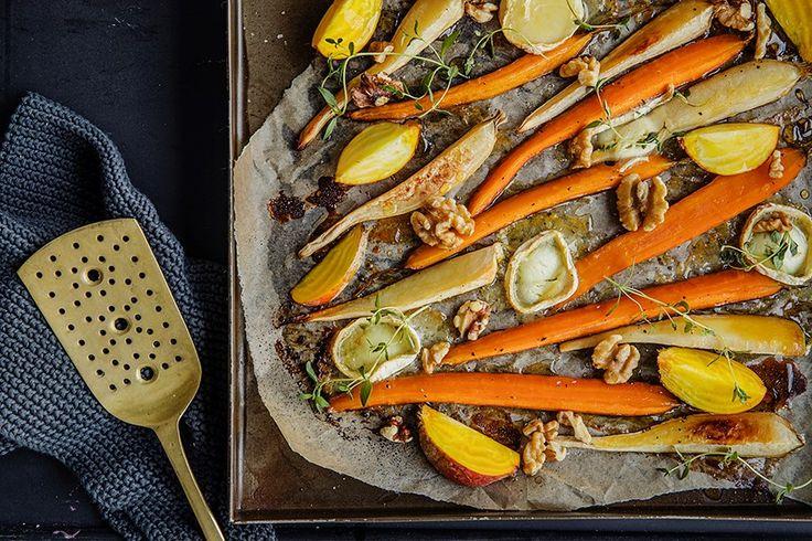 Du kan variere rotgrønnsaker på uendelig mange gode måter. Hvorfor ikke satse på en vegetarmiddag med ovnsbakte rotgrønnsaker i dag?