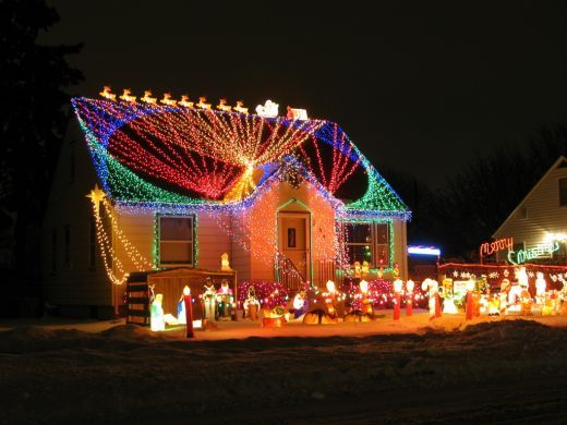 Decoration decorate of house christmas lights wonderful glowing merry christmas outdoor holiday decorations with beautiful lights spread out all over the