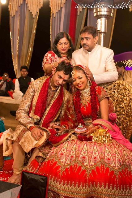 A Fun Delhi wedding with a Laugh Out Loud Bride !