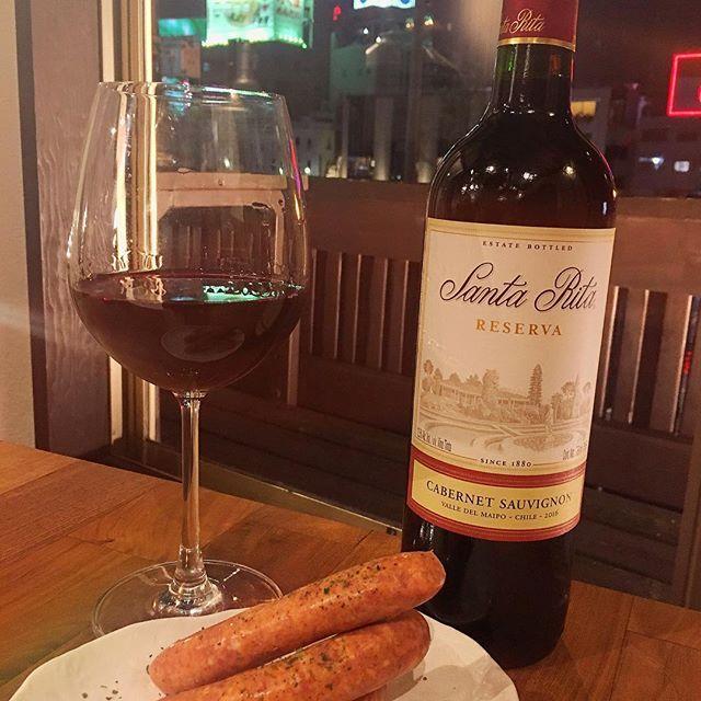今日は金曜日ですね😋✨ MASAJINでは、ラム肉に合うワインをリーズナブルに揃えております😋💕 ボトルワインも2200円からございます💕 1軒目でお腹いっぱいラム肉を堪能するのももちろんですが💕 2軒目でワインを飲みながら、つまむのもいかがですか?🍷🍾 おつまみメニューもございます🍽 二階席からは、中洲の川沿いの素敵な景色も見えますよ🌙  たくさんのご来店お待ちしております🍷 #ラム肉#マサジン#肉#ジンギスカン#中洲#福岡#グルメ#焼肉#羊#ヘルシー#ラム#ディナー#masajin #ディナー#masajin#양고기#고기#밥#후쿠오카 #나카스#먹스타그램#맛스타그램 #일본#음스타그램#ダイエット#셀카#여행#japan#Fukuoka#선팔#셀스타그램#diet