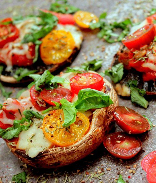 Grilled Portobello Pizza -- super easy weeknight meal! http://mom.me/food/8944-tailgating-gone-healthy/?pp=1