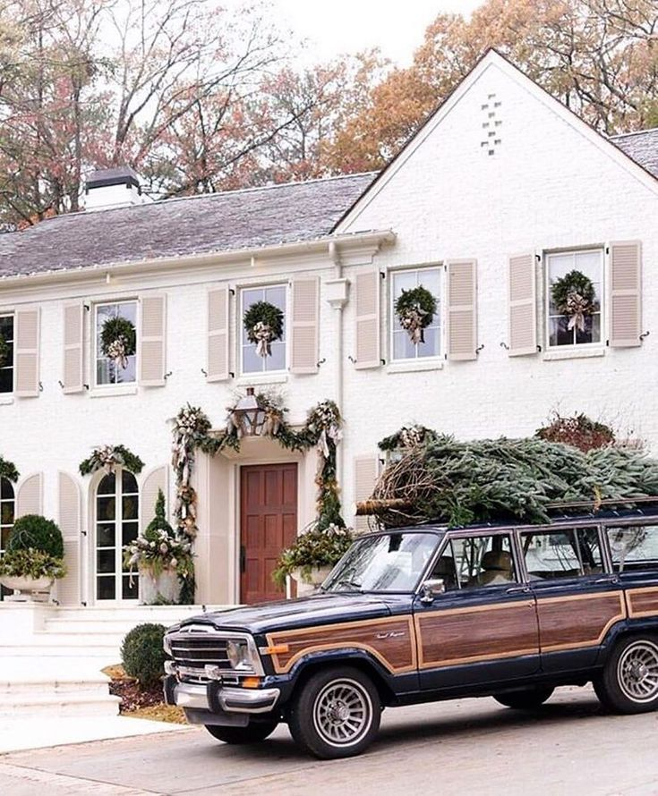 I Hope Our Next House Comes With A Jeep Grand Wagoneer In
