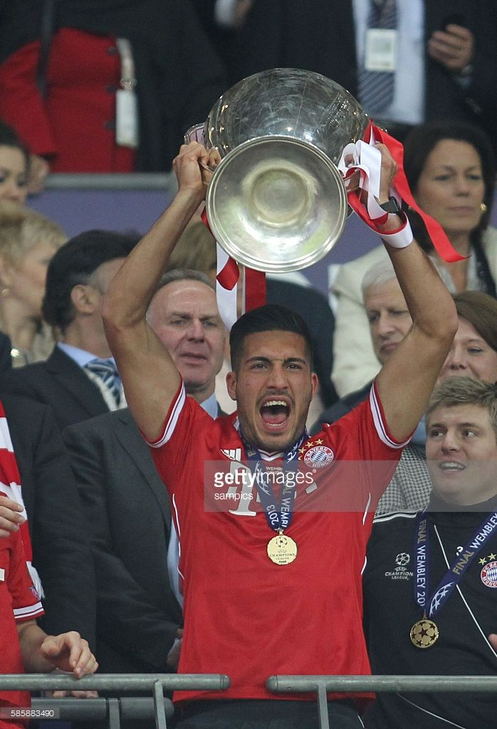 Emre Can FC Bayern München mit Champion sleaguepokal Championsleague Finale Borussia Dortmund BVB - FC Bayern München Championsleague final Borussia Dortmund FC Bayern munich in the Wembley Stadium Saison 2012/ 2013