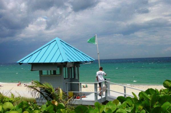 Boynton Beach Oceanfront Park 6415 N. Ocean Boulevard, Ocean Ridge