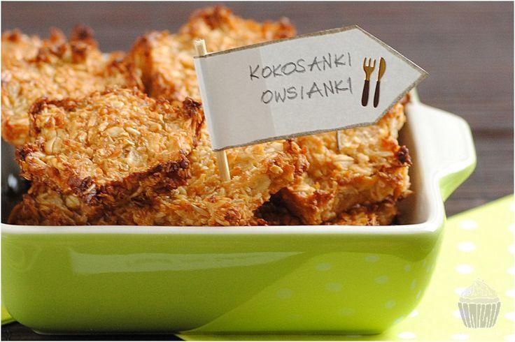 Z okazji 2 urodzin bloga kulinarnego Feed me better, który znajduje się wysoko, na liście moich ulubionych, postanowiłam przygotować przepis pochodzący właśnie z tego bloga! Z uwagi na to, że ostatnio w mojej kuchni królują wiórki kokosowe, wybrałam przepis na zdrowszą i bardziej dietetyczną wersję kokosanek! Oryginalny przepis znajdziecie tutaj→ Dietetyczne ciasteczka – owsiane kokosanki. …