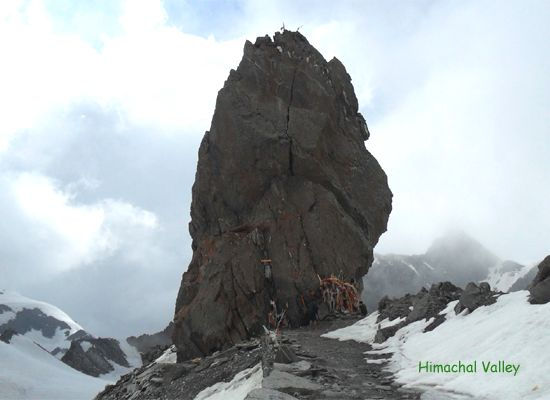 The Shrikhand Mahadev trek is hard core trek and is named after the Hindu god Shiva. It is a very popular trek for devotees and the extreme trekkers.
