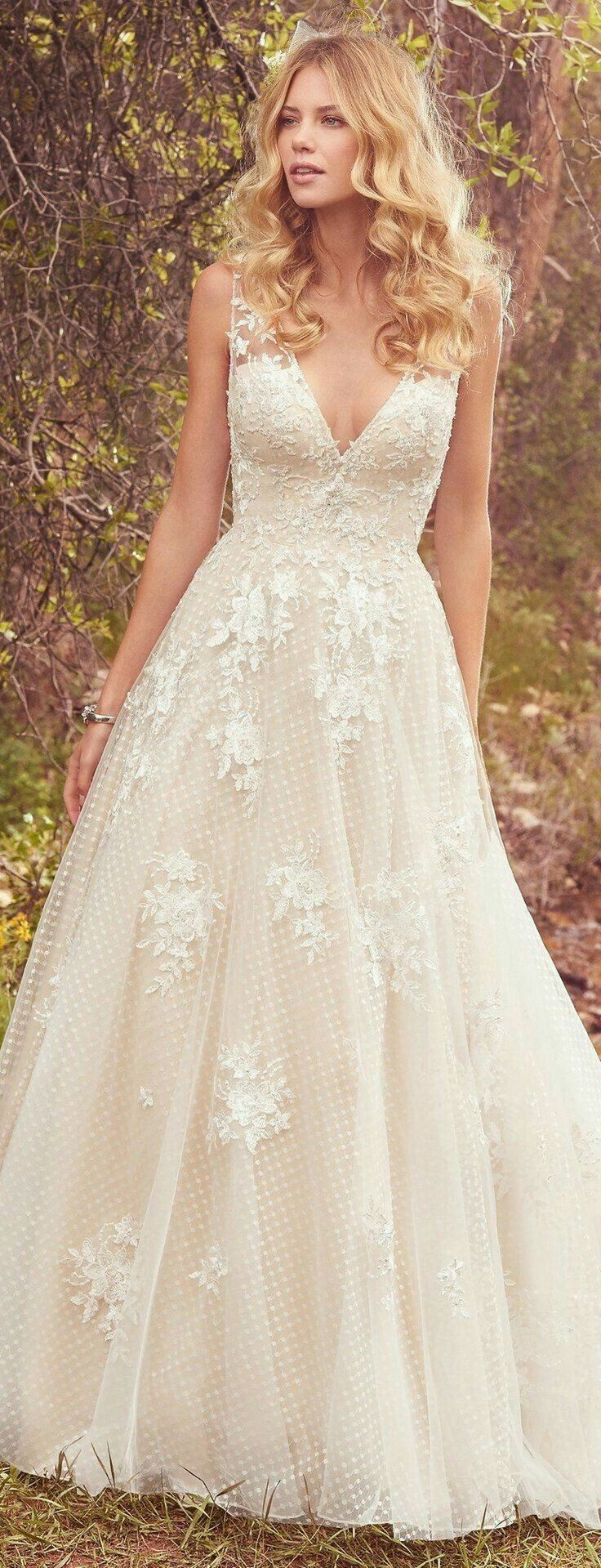 awesome 55 Romantic Valentines Day Wedding Dress Ideas  http://www.lovellywedding.com/2018/02/09/55-romantic-valentines-day-wedding-dress-ideas/ #weddingdress
