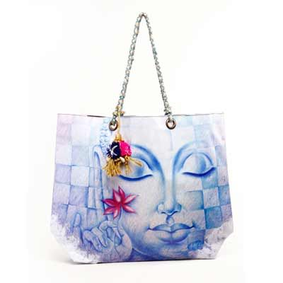 Buy women designer bags and make her happy on this #Christmas. http://bit.ly/1vb5TXg