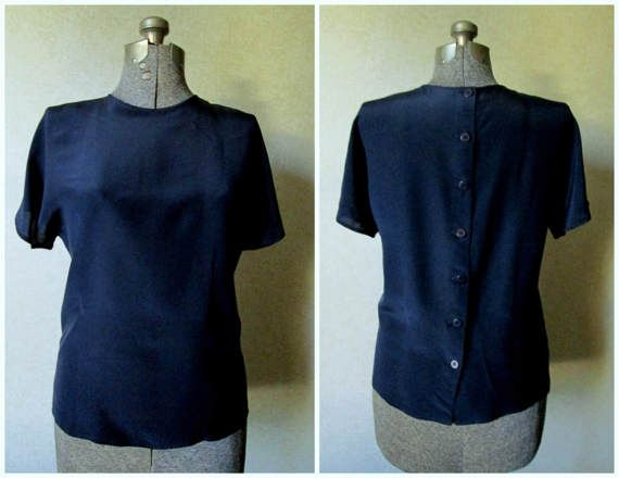 silk t-shirt blouse.....  #silk #t-shirt #blouse  #tshirt #teeshirt #silkblouse #silktop #vintage #90s #vintage fashion