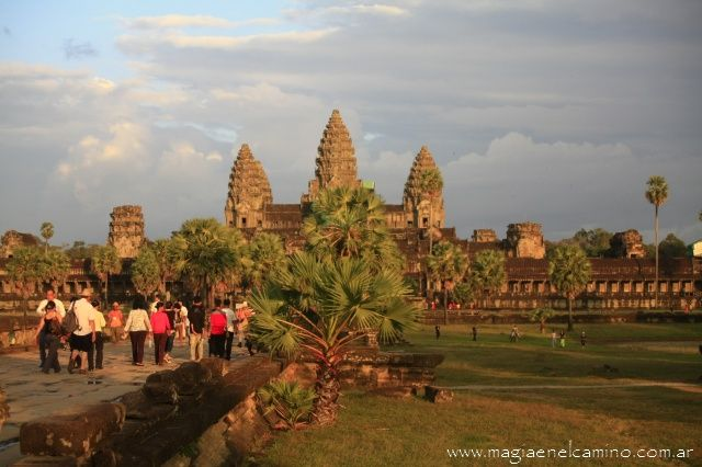 Angkor-Wat-atardecer.jpg 640×426 píxeles