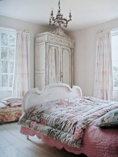 Armoire and bed frame.... :): Cabin, Pretty Armoires, Master Bedrooms Doors, Cottages Shabby Romantic, Dreams House, Beds Frames, Bedrooms Decor, Sweet Dreams, Armoires Bedrooms