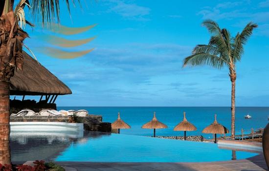 Heavenly pool and ocean