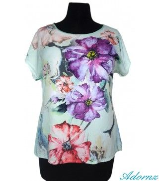 Floral Watercolor Printed Tunic.Simply sweet, this top offers a watercolor floral print, solid knit back and woven front.  RELAXED FIT.  - See more at: http://adornz.co.nz/plus-size-tops-online-auckland/Floral-Watercolor-Printed-Tunic-plus-size