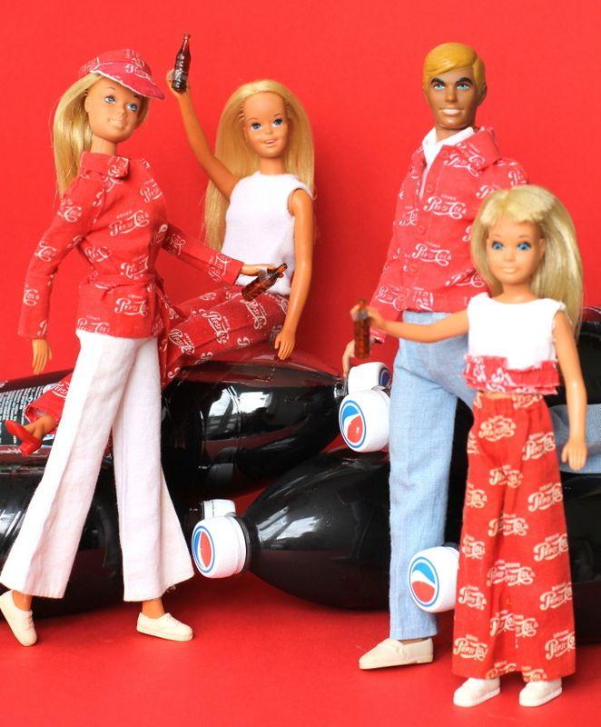 """Barbie, Francie, Ken & Skipper in Best Buy """"Pepsi Cola ..."""