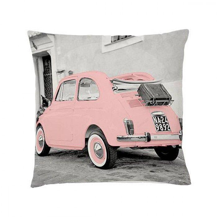 Dit kussen met opdruk van een Vespa in de kleur zacht roze doet je herinneren aan the good old days.