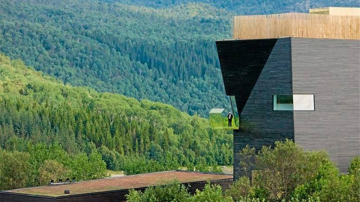 Hamsunsenteret, Hamarøy    Steven Holl Architects / Ly Arkitekter AS    Byggherre: Nordland fylkeskommune    Fullført: 2009