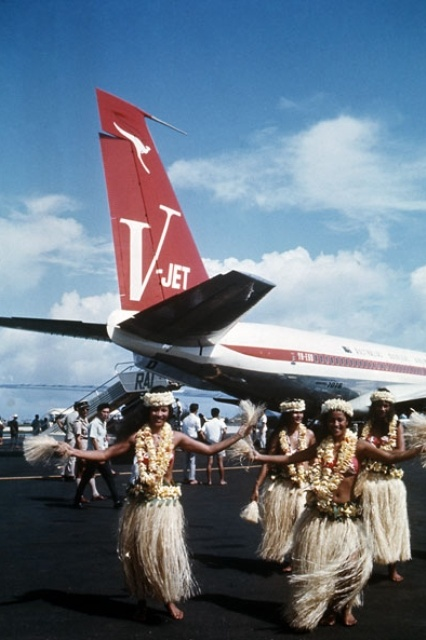 The first Qantas V-Jet (707-138B) landed at Faa'a International Airport near Pape'ete on 22 November 1963.    From: www.airwaysmuseum.com