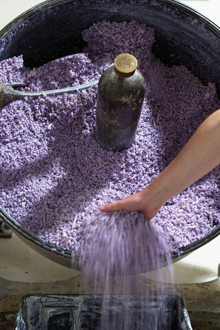 Mixing soap pillet - Fragonard Parfumeur #ProductionTechniques #Soap