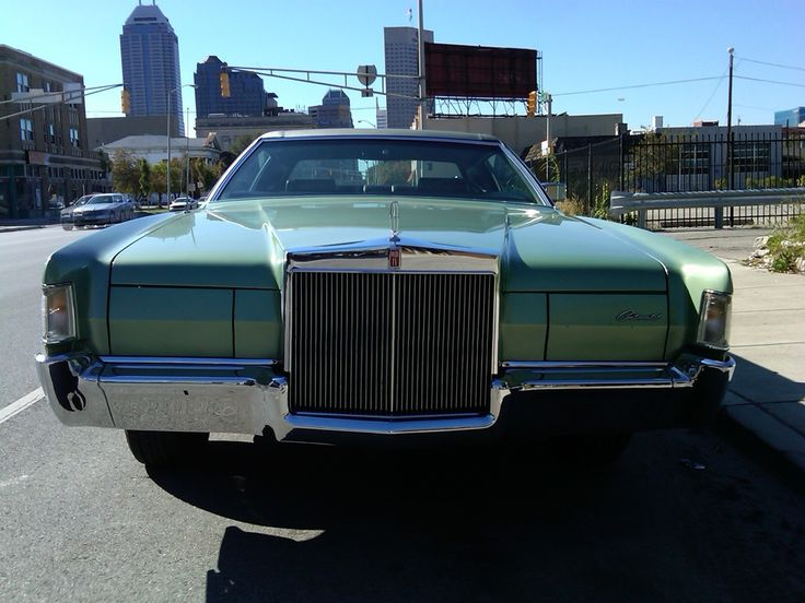 1000 images about lincoln what a luxury car should be on pinterest lincoln town car. Black Bedroom Furniture Sets. Home Design Ideas