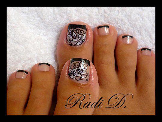toesToenails Design, Nails Art, Floral Design, Toes Nails, Flower Nails, Nails Creations, Black Design, Toes Art, Nail Art