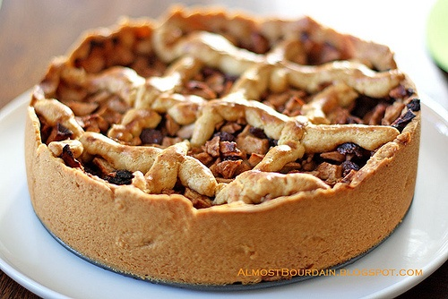 Traditional Dutch Apple Pihttp://pinterest.com/search/?q=dutch#e ahh look at how beautiful that looks