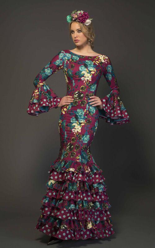 Modelo de traje de flamenca de la colección flamenca 2017 de TAMARA Flamenco. Encuentralo aqui: https://www.tamaraflamenco.com/es/trajes-de-flamenca-2017-mujer-139  Flamenca dress of the collection flamenca dresses 2017 by TAMARA Flamenco