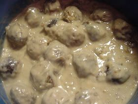COUNTRY WHISPERS: Crockpot Meatballs and Gravy